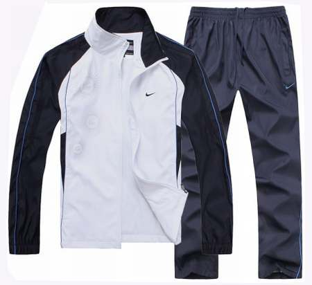 survetement-nike-noir-et-or-pantalon 600aee31fdd